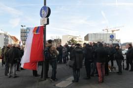 Besucher der Platzeinweihung: Foto: Axel Bach