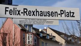 Straßenschild mit Informationen zu Felix-Rexhausen; Foto: Axel Bach