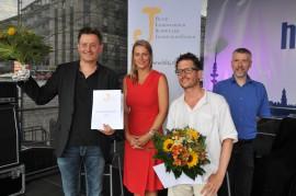 Felix-Rexhausen-Preis-Verleihung 2013 auf dem Hamburger CSD; von links: Martin Pieper (Redakteur ZDF/Arte), Anja Reschke (Moderatorin), Lennart Herberhold (Nominierter), Arnd Riekmann (Jury)